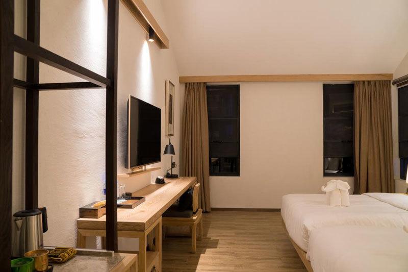lridescent Clouds Hotel(Dali,CN)